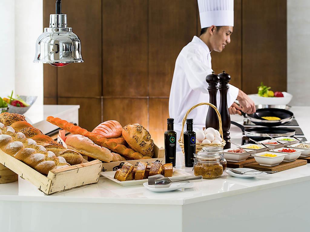 Horizon restaurant abu dhabi restaurants by accorhotels for Ristorante cipriani abu dhabi