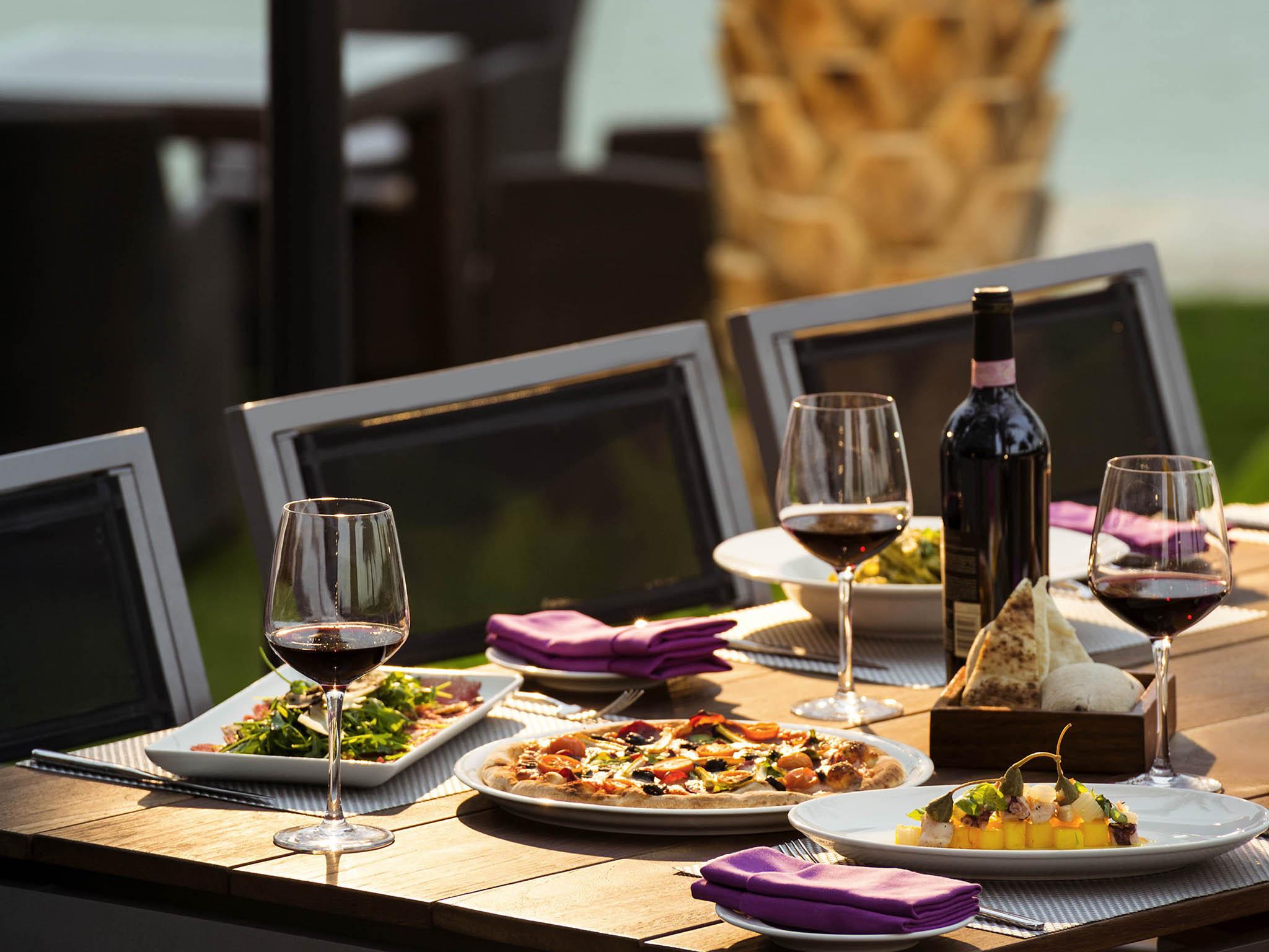 6949_rs_01_p_2048x1536 Incroyable De Table Bar Cuisine Conception