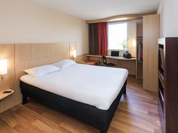 Enjoy The Ibis Karlsruhe Hauptbahnhof Hotel Rooms