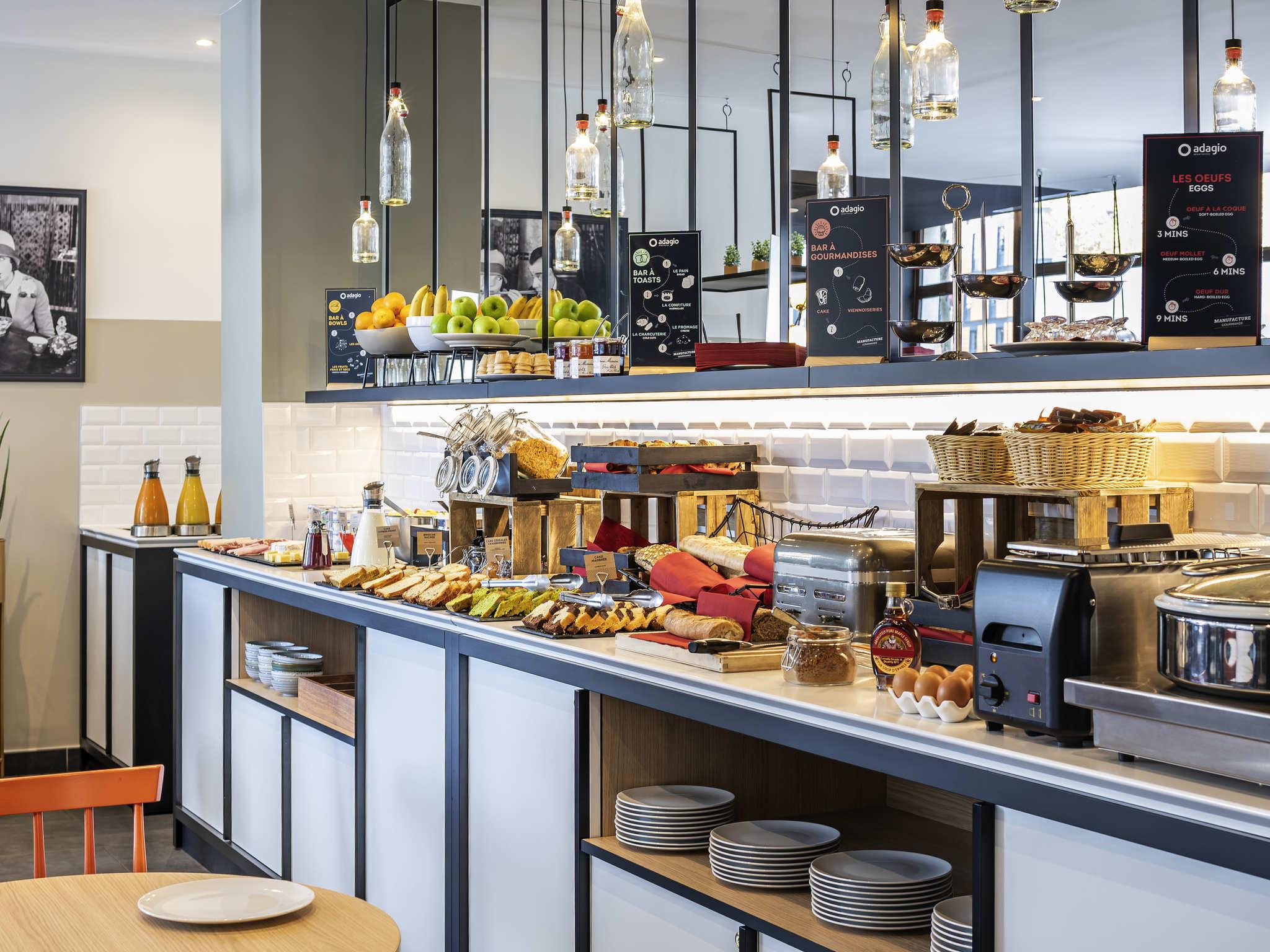 hotel in montrouge aparthotel adagio paris montrouge. Black Bedroom Furniture Sets. Home Design Ideas