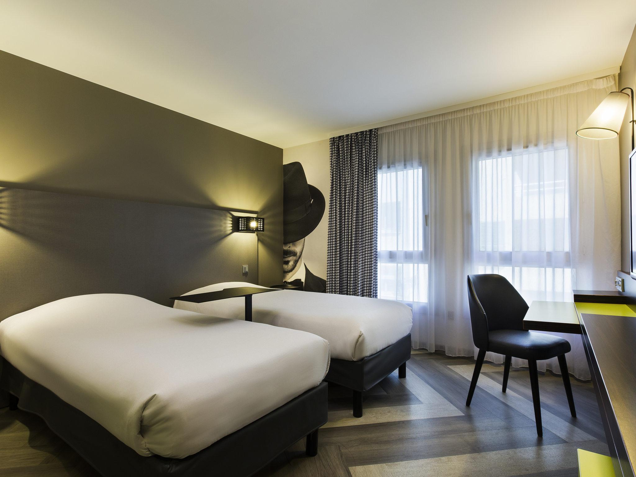 Hotel a nice ibis styles nice vieux port - Ibis style nice vieux port ...