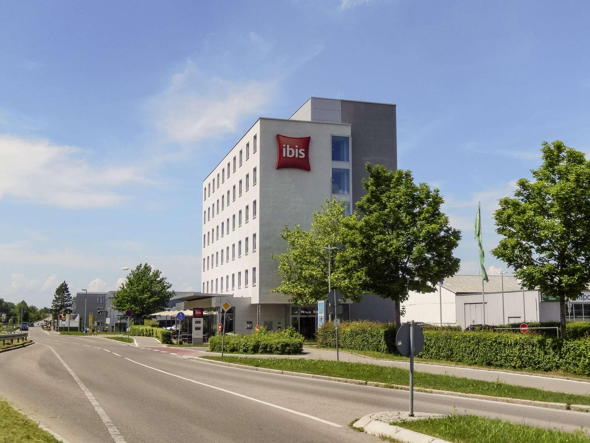호텔 – ibis Friedrichshafen Airport Messe