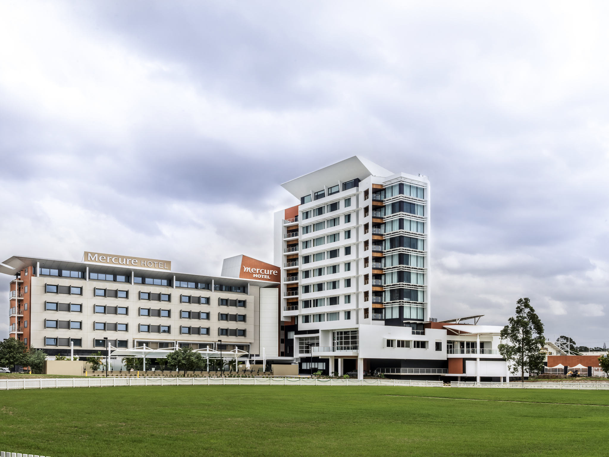 Отель — Mercure Сидней Ливерпуль