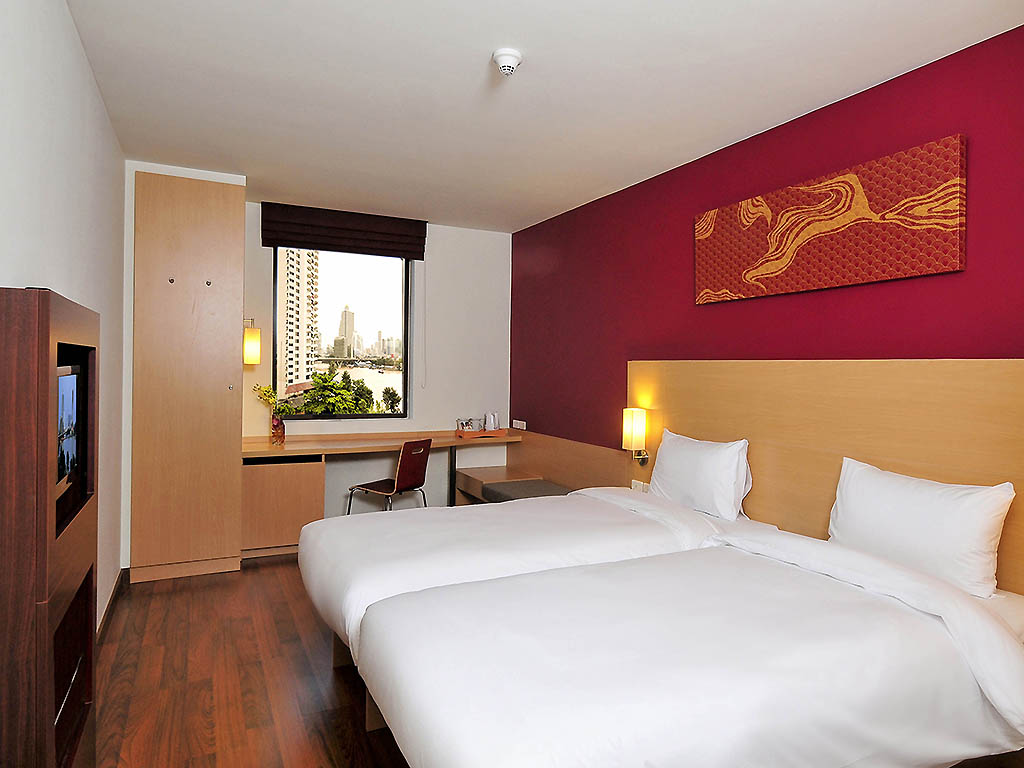 Hotel in bangkok   ibis bangkok riverside