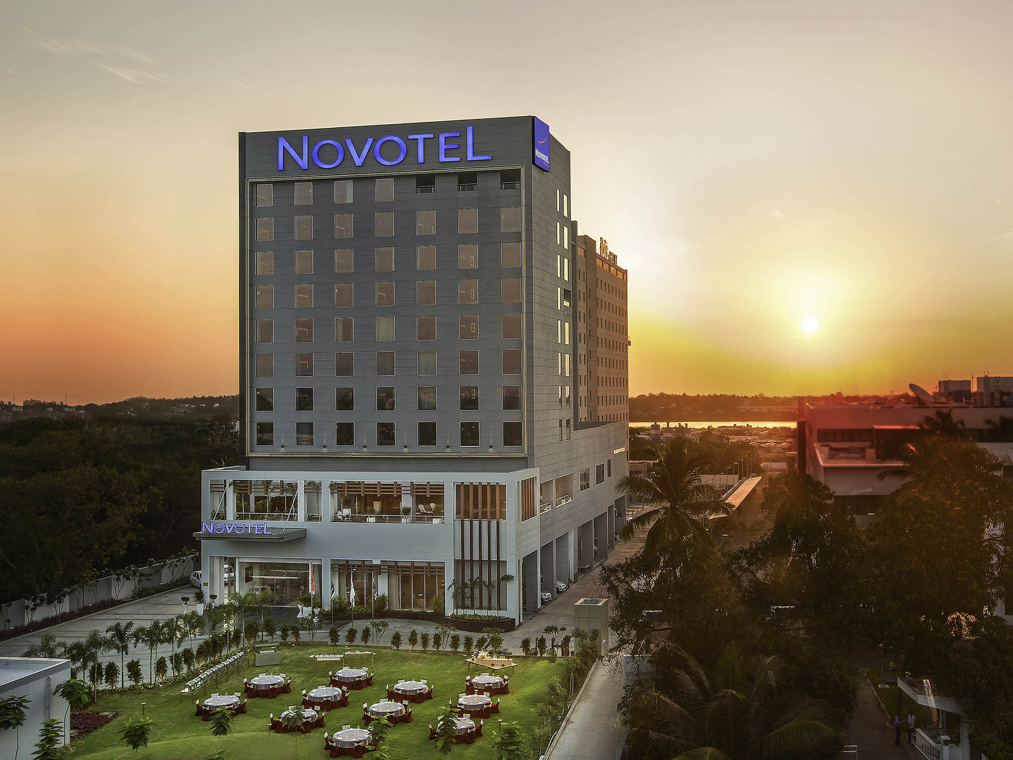 호텔 – Novotel Chennai Sipcot