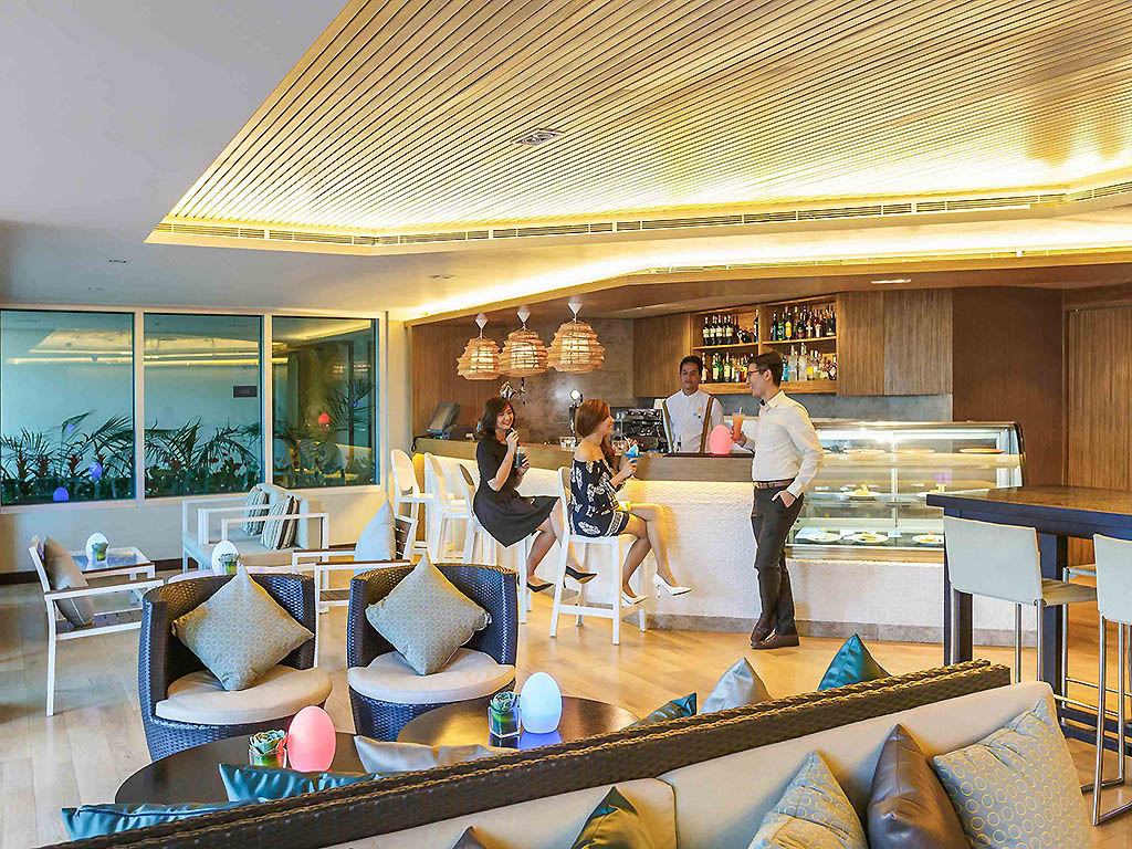 Pool Bar Lounge Quezon City Restaurants By Accorhotels