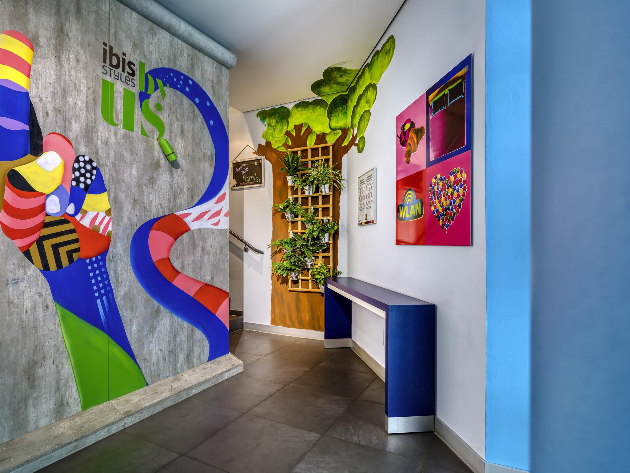Hotel ibis Styles Berlin Mitte. Book online now! Free Wifi!