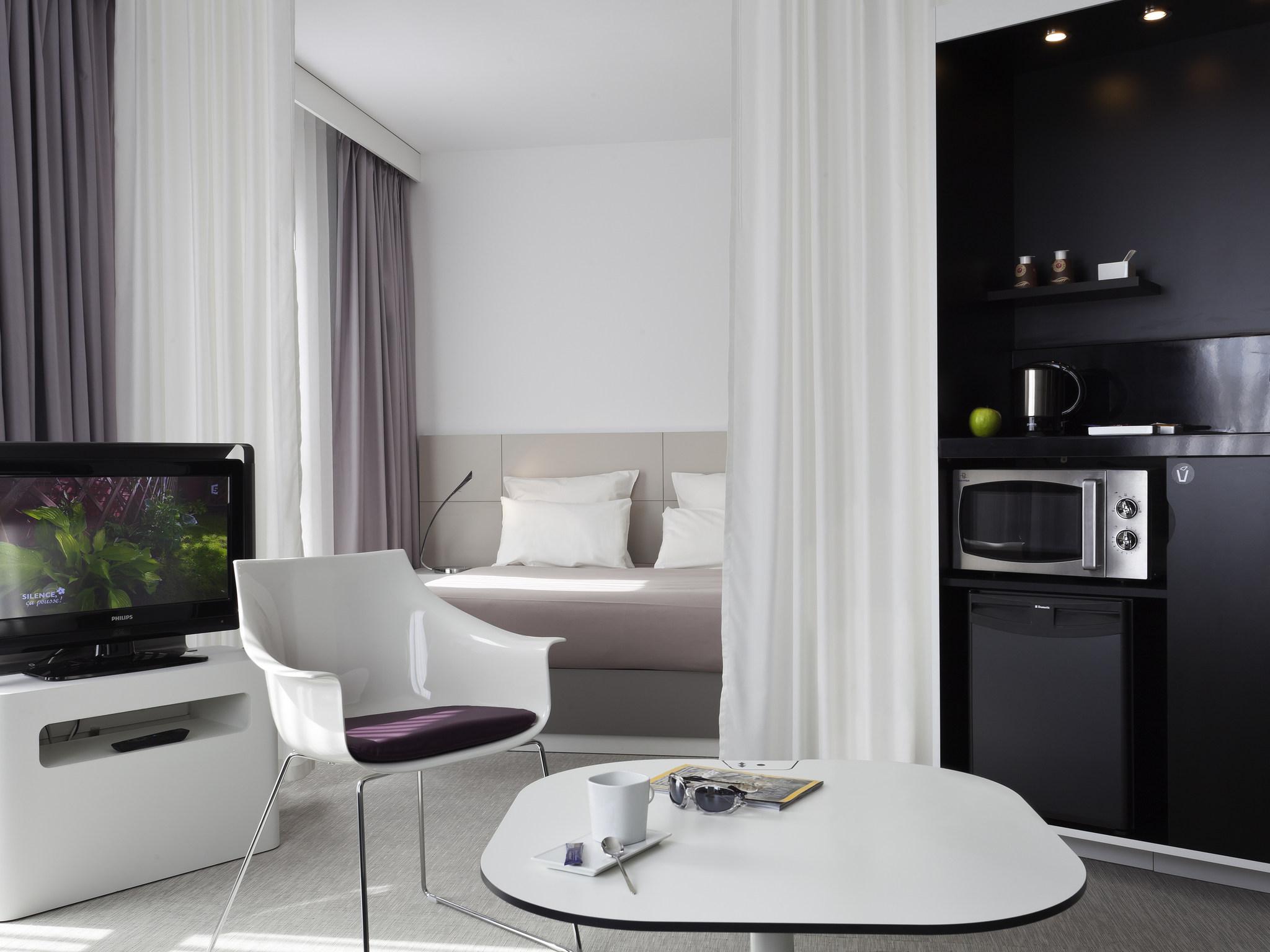 酒店 – 巴黎伊西莱穆利诺诺富特套房酒店