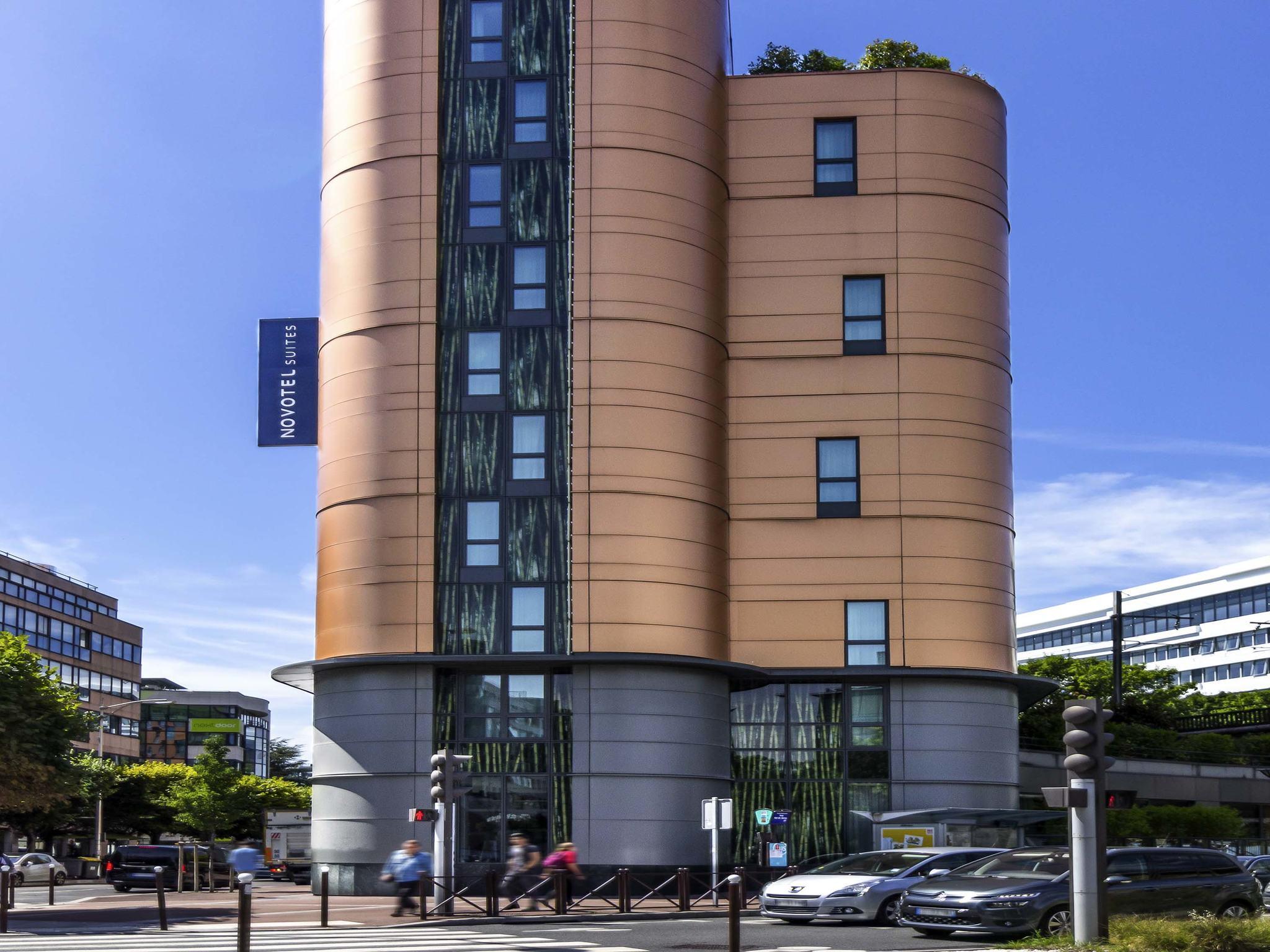 Hotel in ISSY LES MOULINEAUX Novotel Suites Paris Issy les