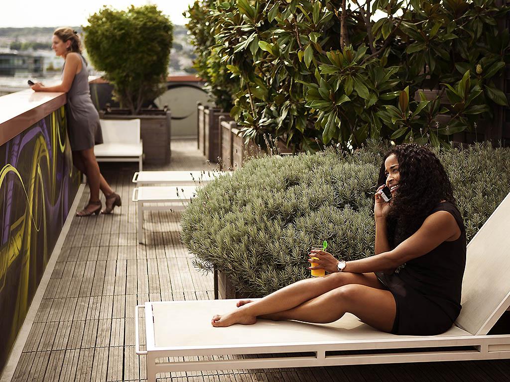 hotel issy les moulineaux novotel suites paris issy les. Black Bedroom Furniture Sets. Home Design Ideas