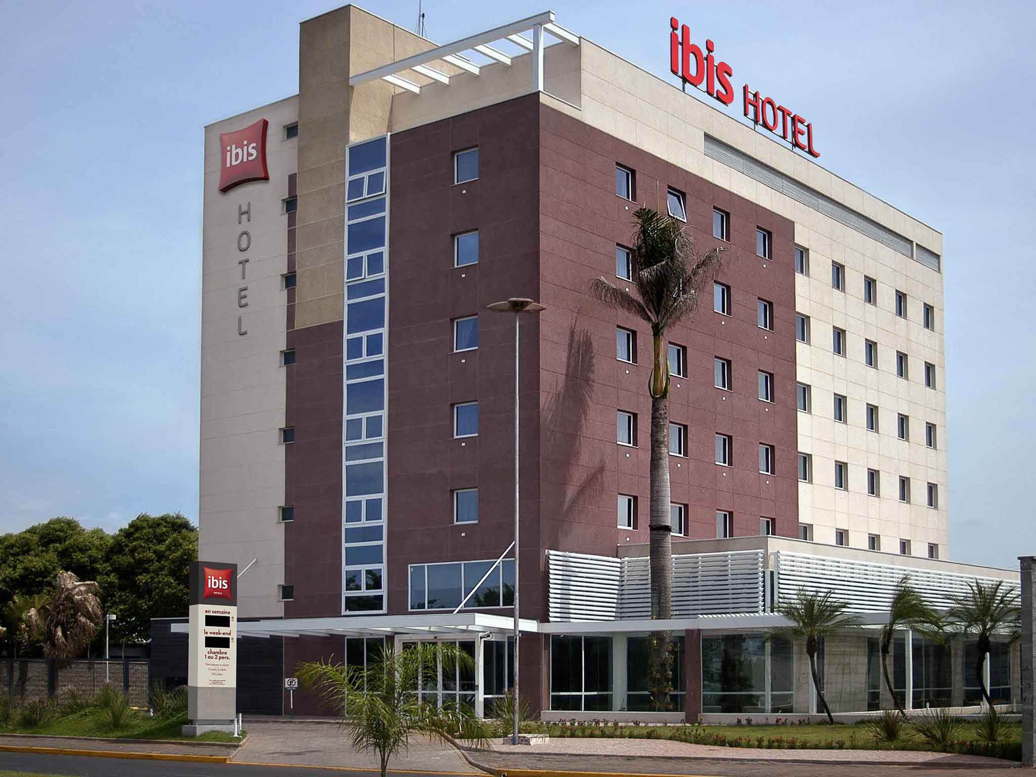 Hotell – ibis Lins