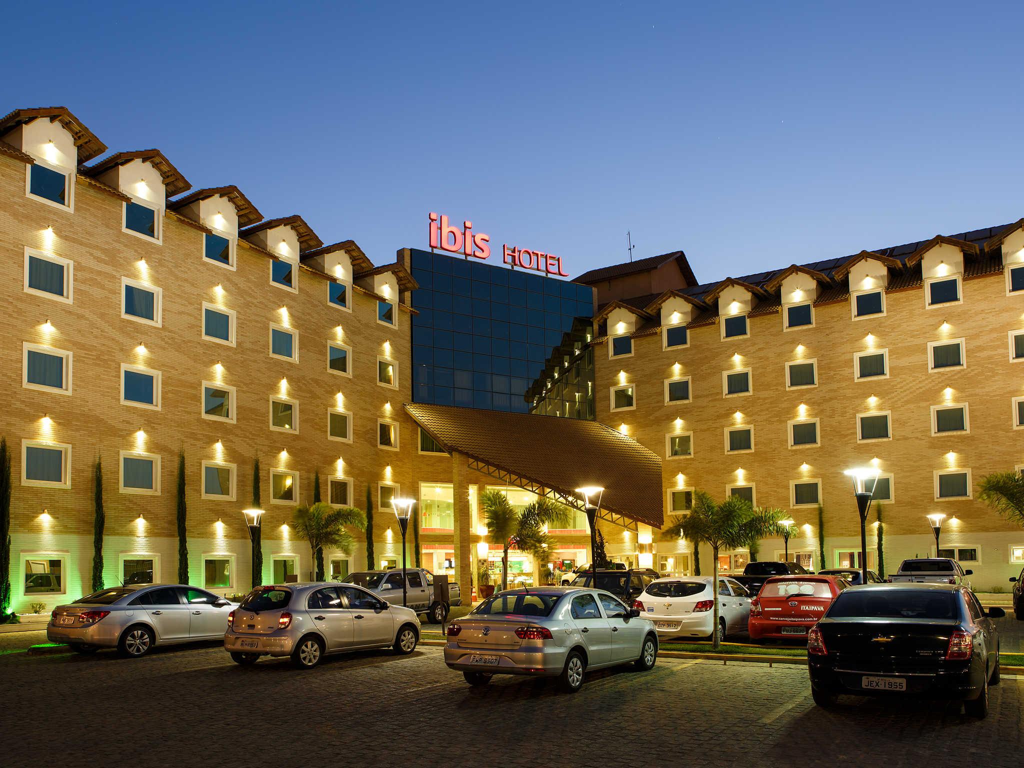 Hotel em vit ria da conquista ibis vit ria da conquista for Hotel jardines de uleta vitoria