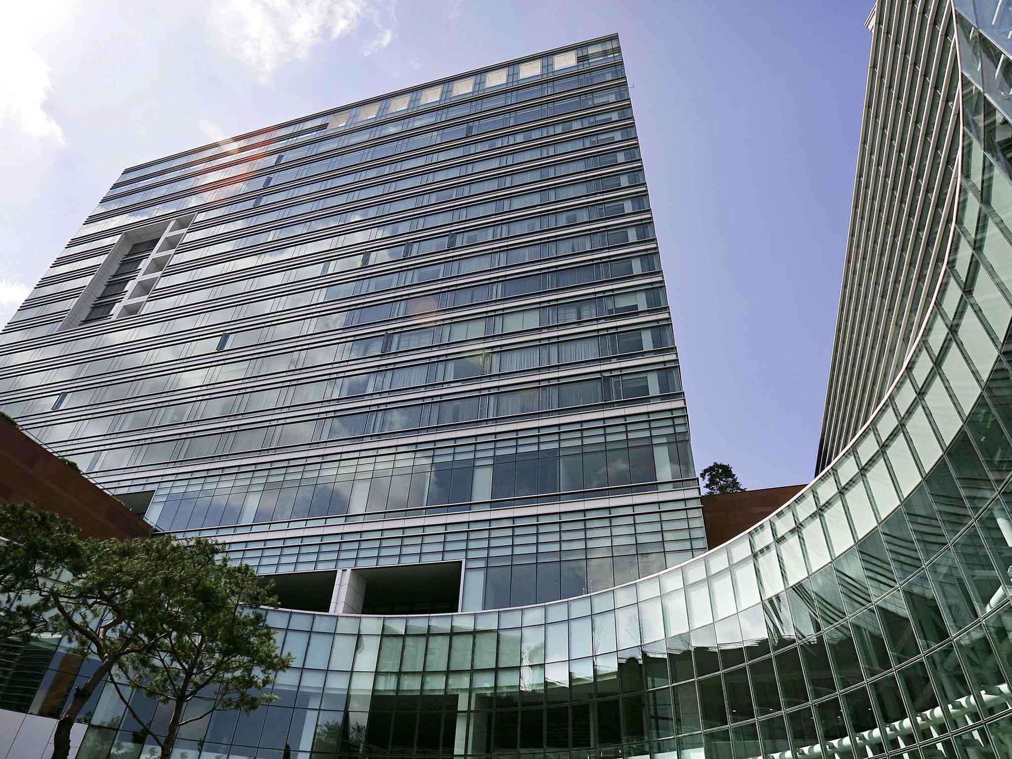 โรงแรม – Pullman Ambassador Changwon