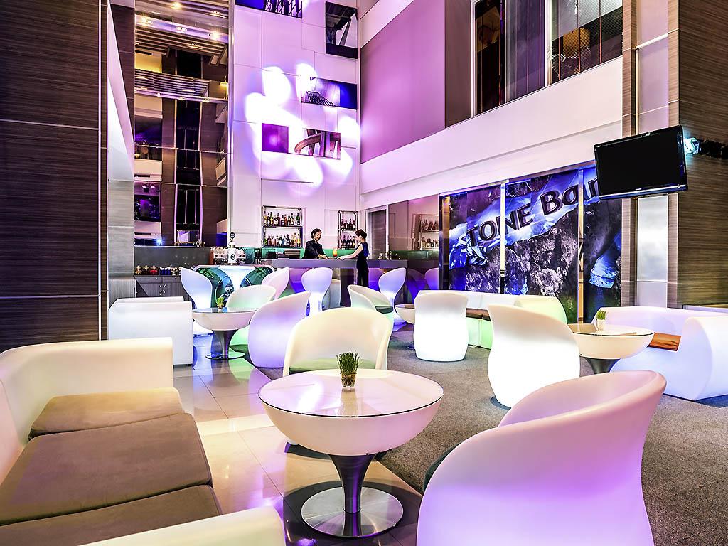 Hotel bangkok   novotel bangkok fenix silom
