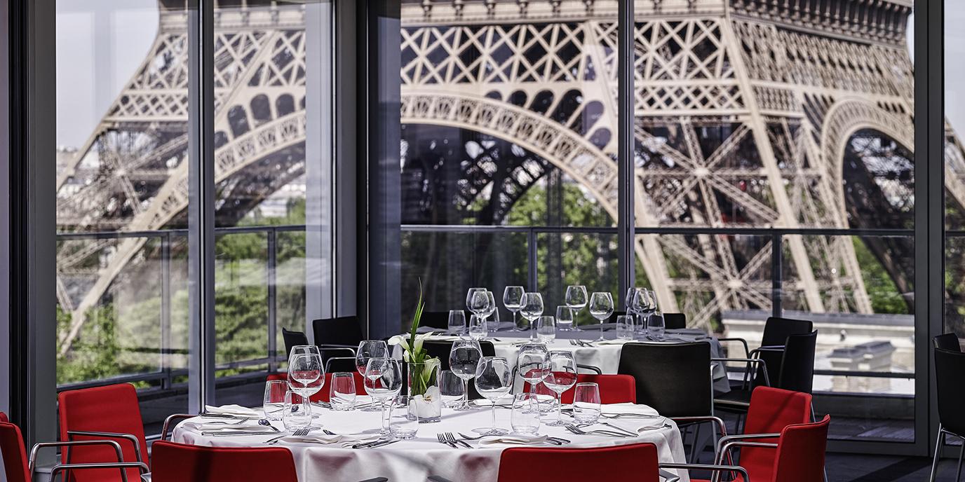 Meetings incentives seminars pullman paris eiffel tower for Hotel in eiffel tower paris