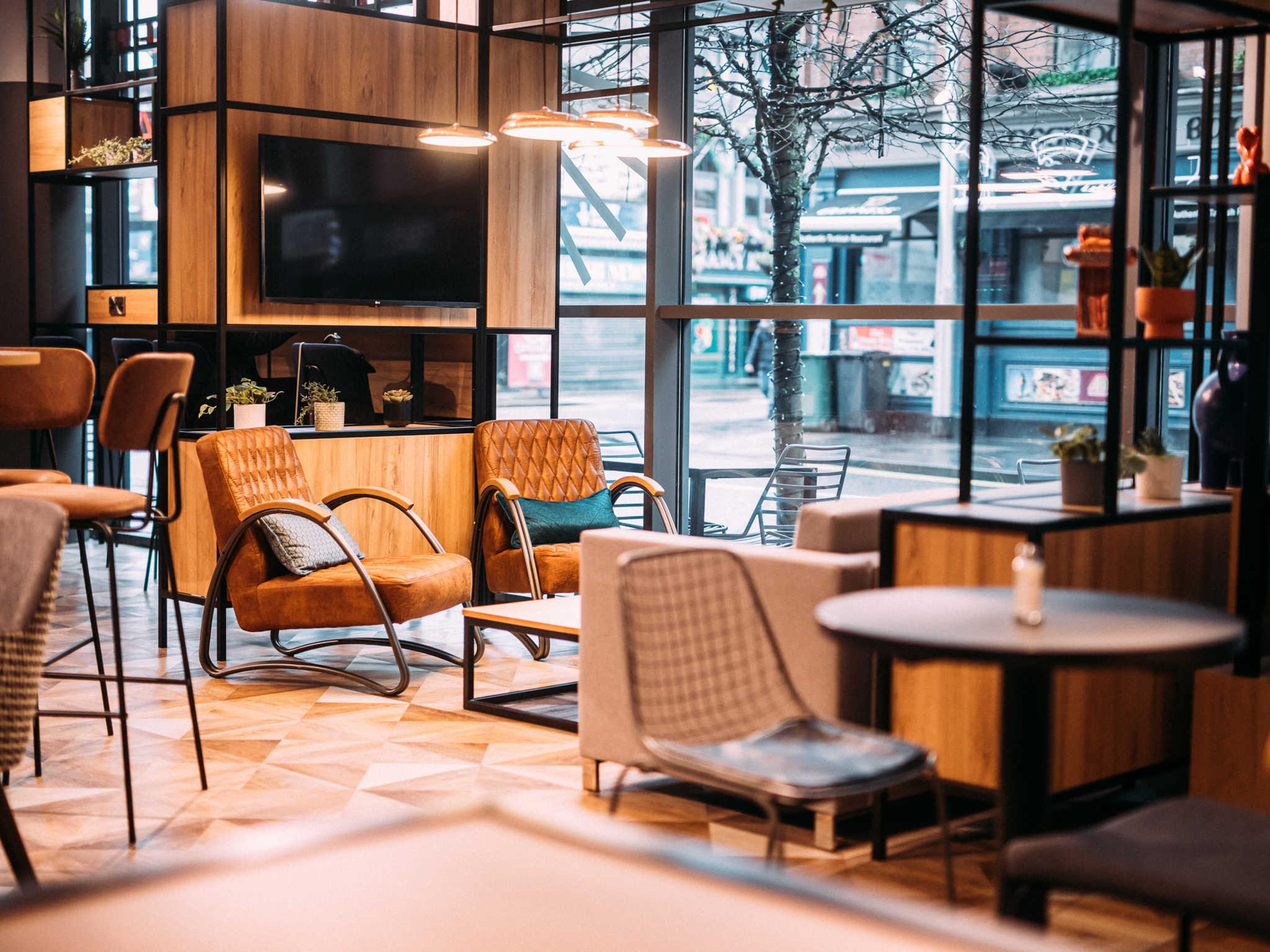 โรงแรม – ibis Belfast City Centre