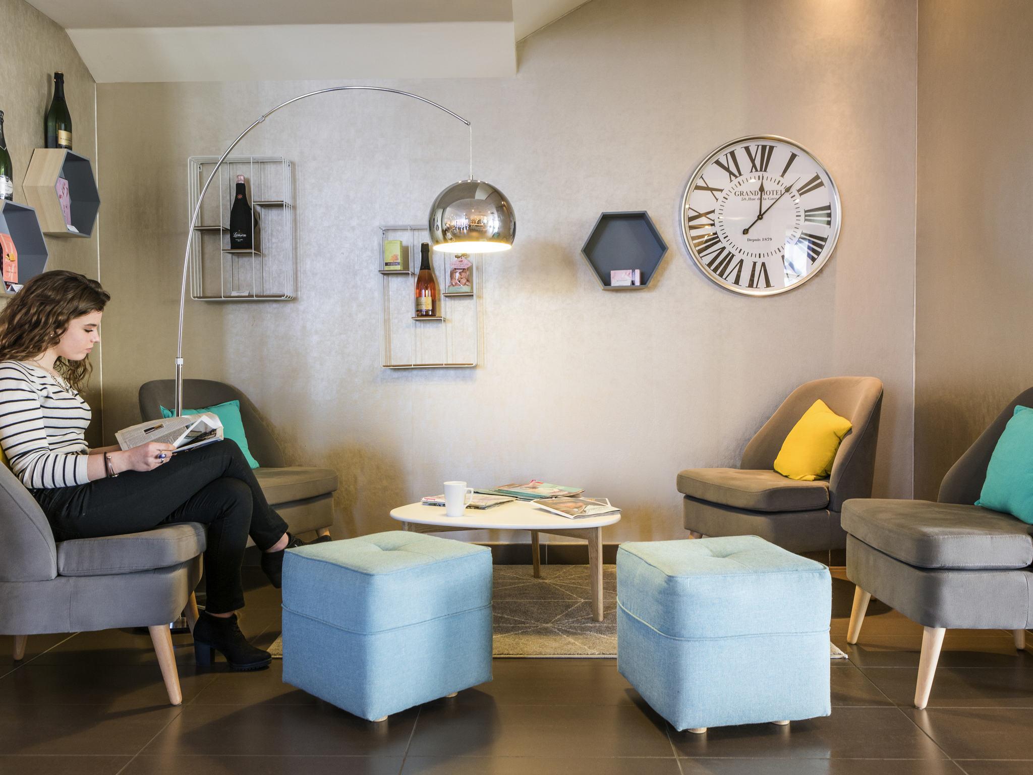 h tel reims novotel suites reims centre. Black Bedroom Furniture Sets. Home Design Ideas