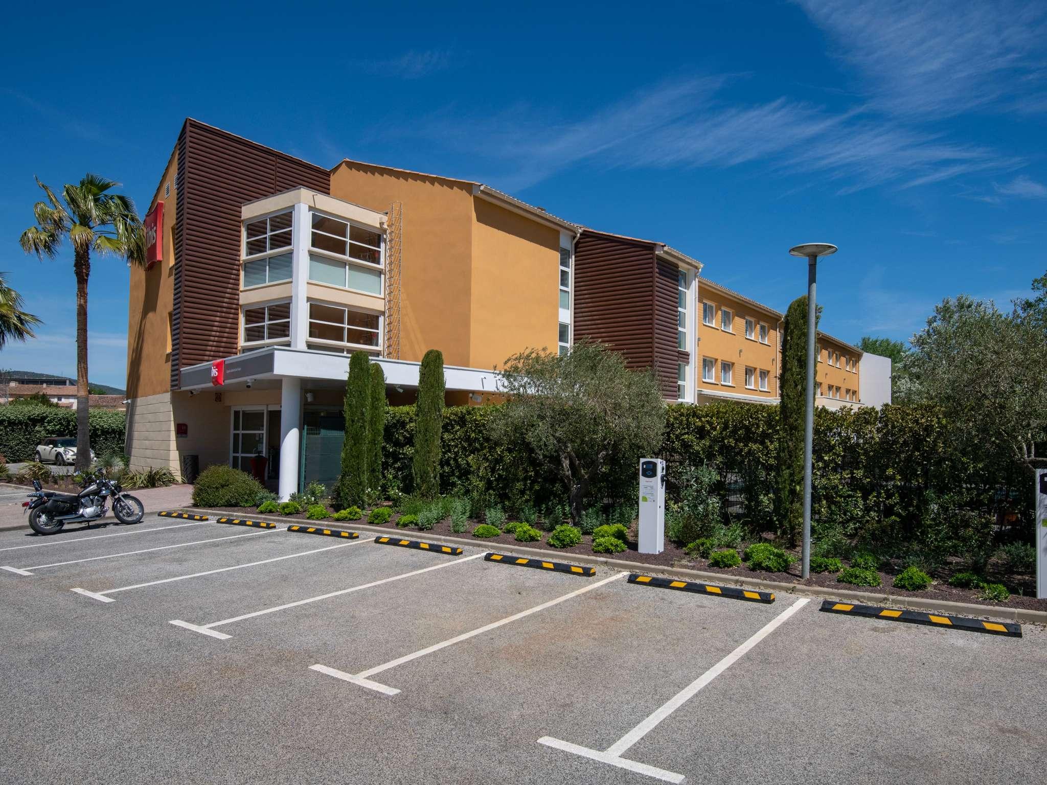 Отель — ibis Golfe de Saint-Tropez