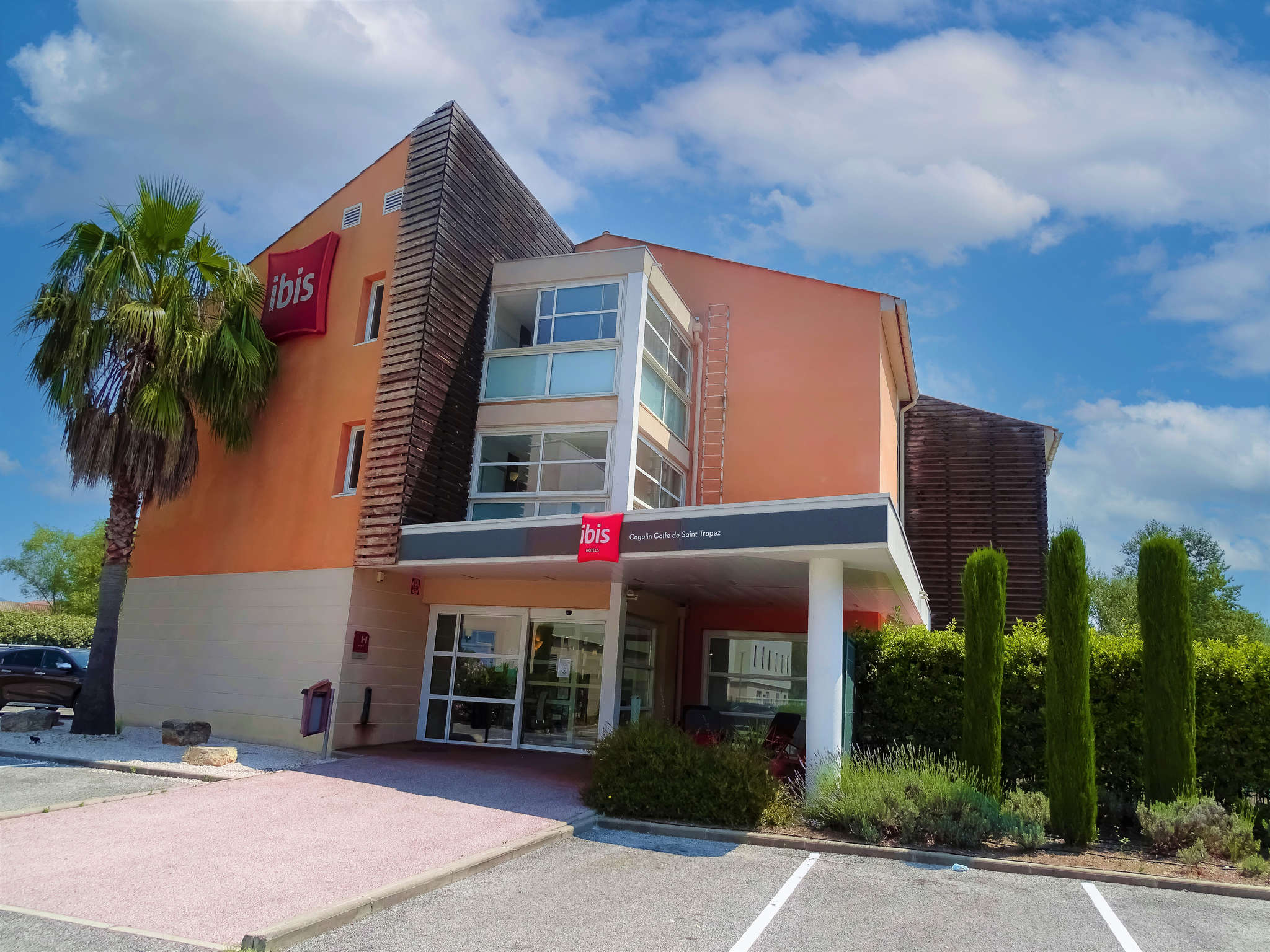 Hotell – ibis Golfe de Saint-Tropez