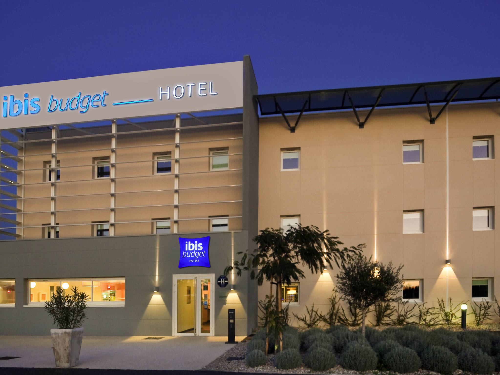 Hotel – ibis budget Istres Trigance