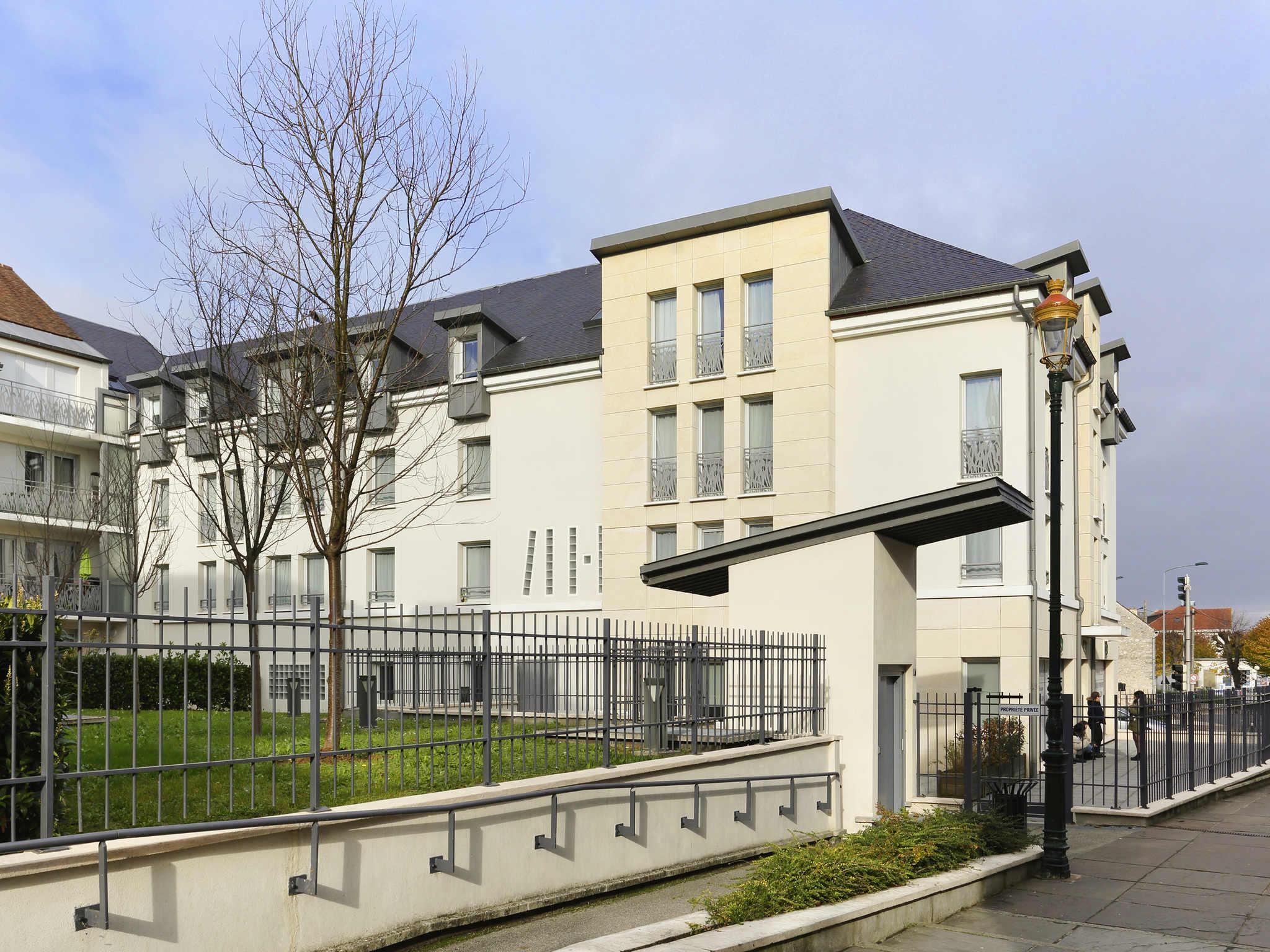 Hotel Mercure Paris Sud Parc Du Coudray Hotel In Etampes Ibis Etampes