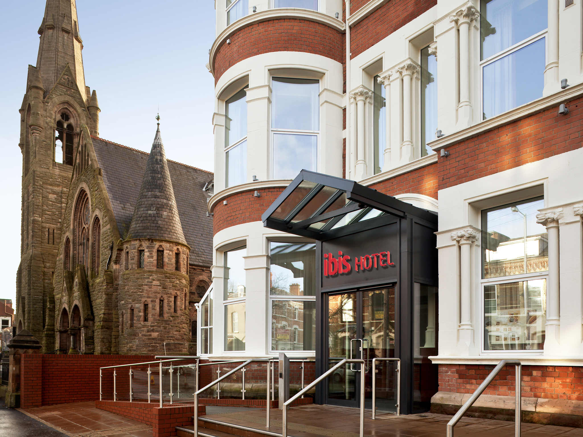 Hotell – ibis Belfast Queens Quarter