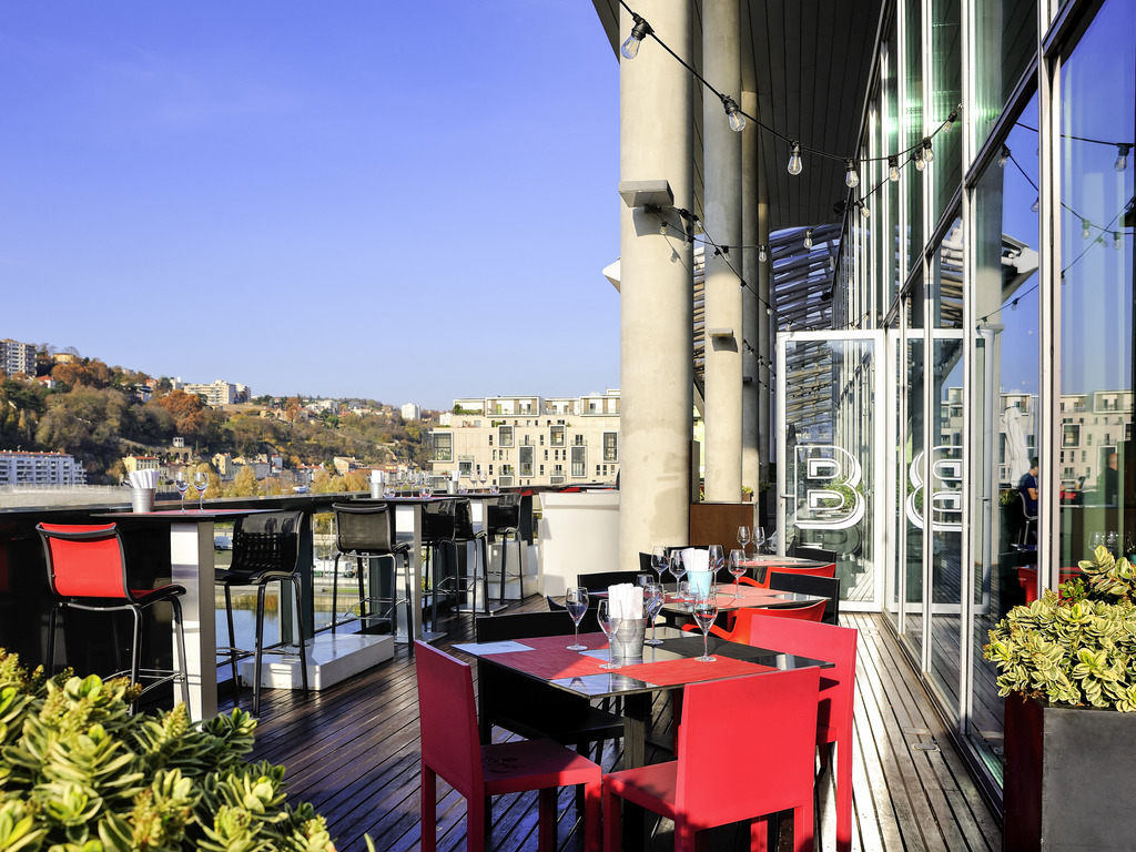 Fabulous Hotel In Lyon Novotel Lyon Confluence Accor Pabps2019 Chair Design Images Pabps2019Com