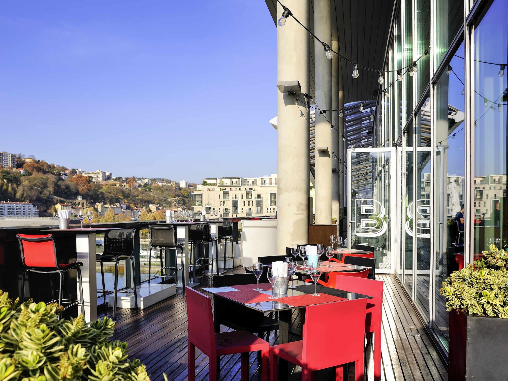 โรงแรม – Novotel Lyon Confluence