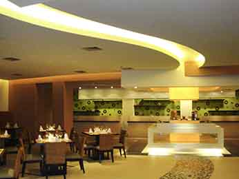 Restaurant - Novotel Manado Golf Resort & Convention Center