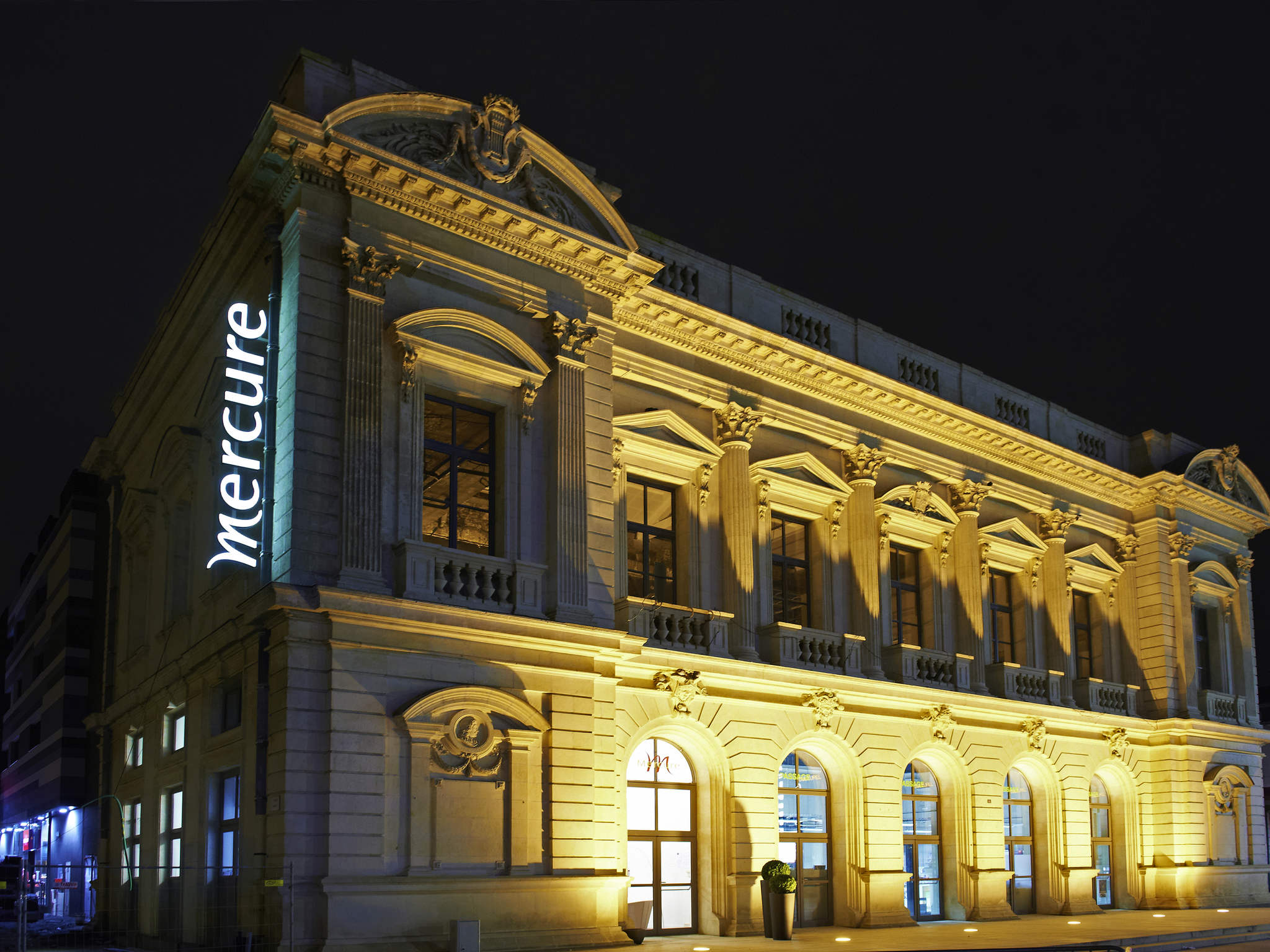 โรงแรม – Hôtel Mercure Cholet Centre