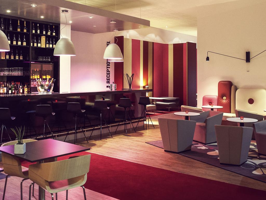 Le pouce pied cholet restaurant uit de michelin gids for Appart hotel cholet