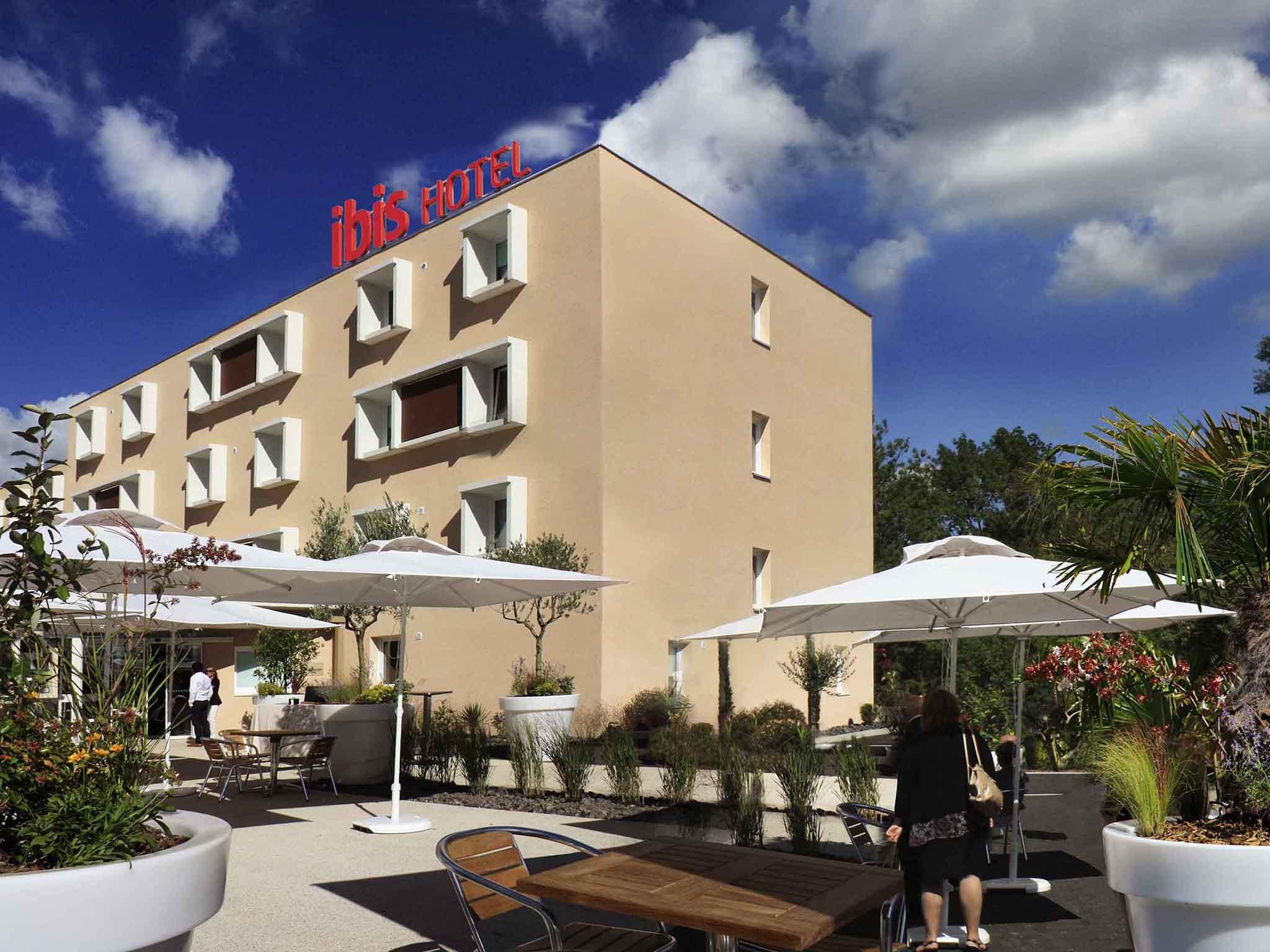 Отель — ibis Loriol Le Pouzin