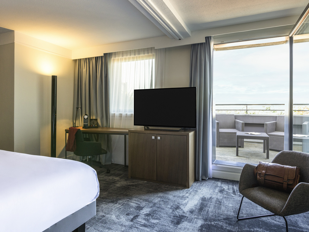 H tel bordeaux h tel mercure bordeaux centre gare saint jean for Chambre avec lit king size