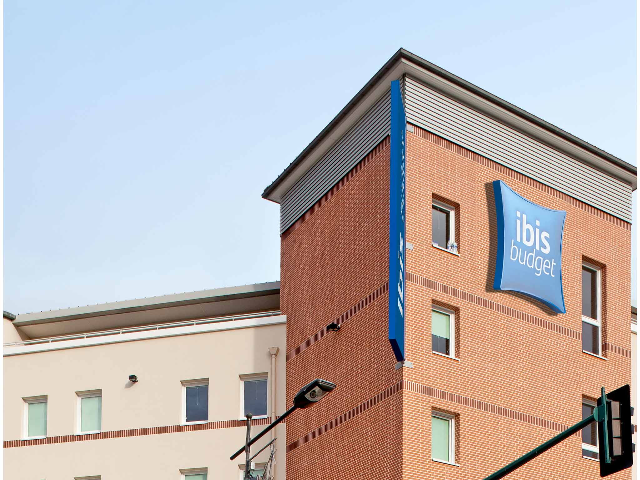 Otel – ibis budget Mantes-la-Jolie Sully