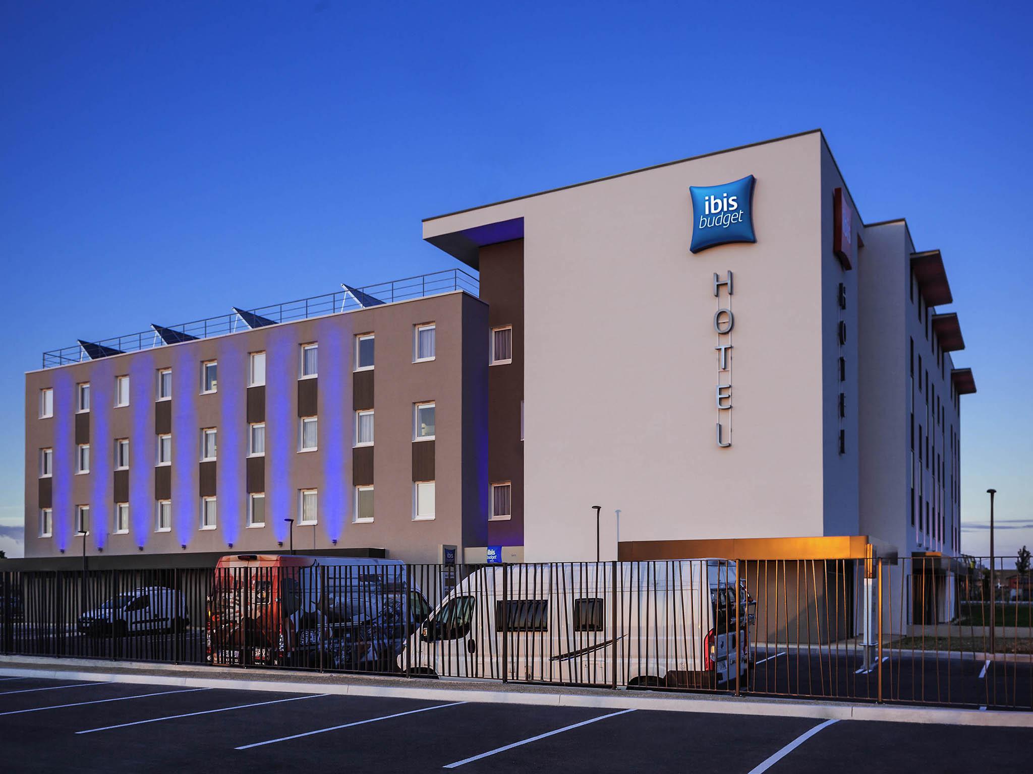 Отель — ibis budget Sens