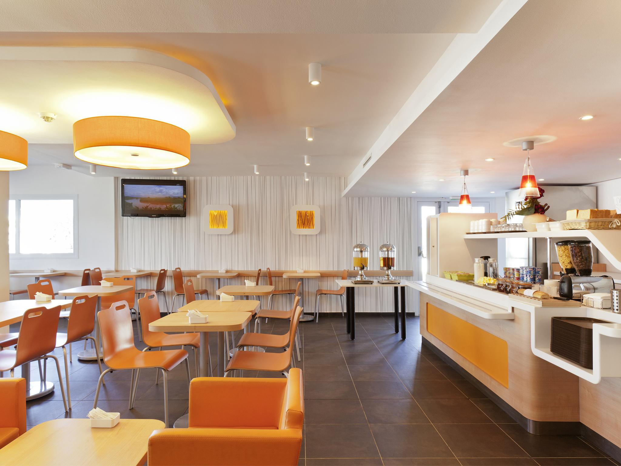 Hotell – ibis budget Saint-Maximin-la-Sainte-Baume