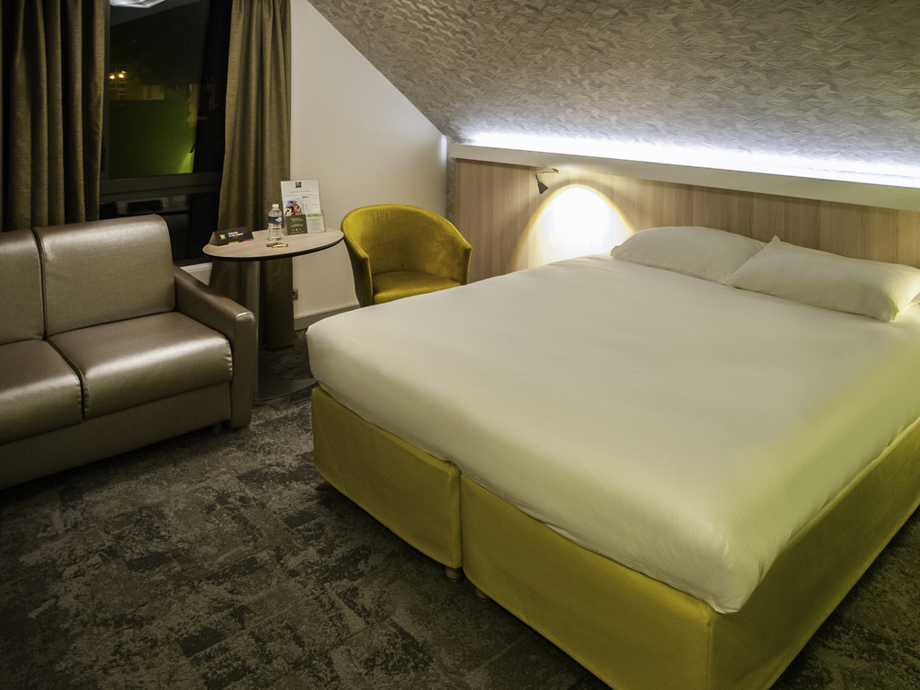 h tel saint malo ibis styles saint malo port. Black Bedroom Furniture Sets. Home Design Ideas