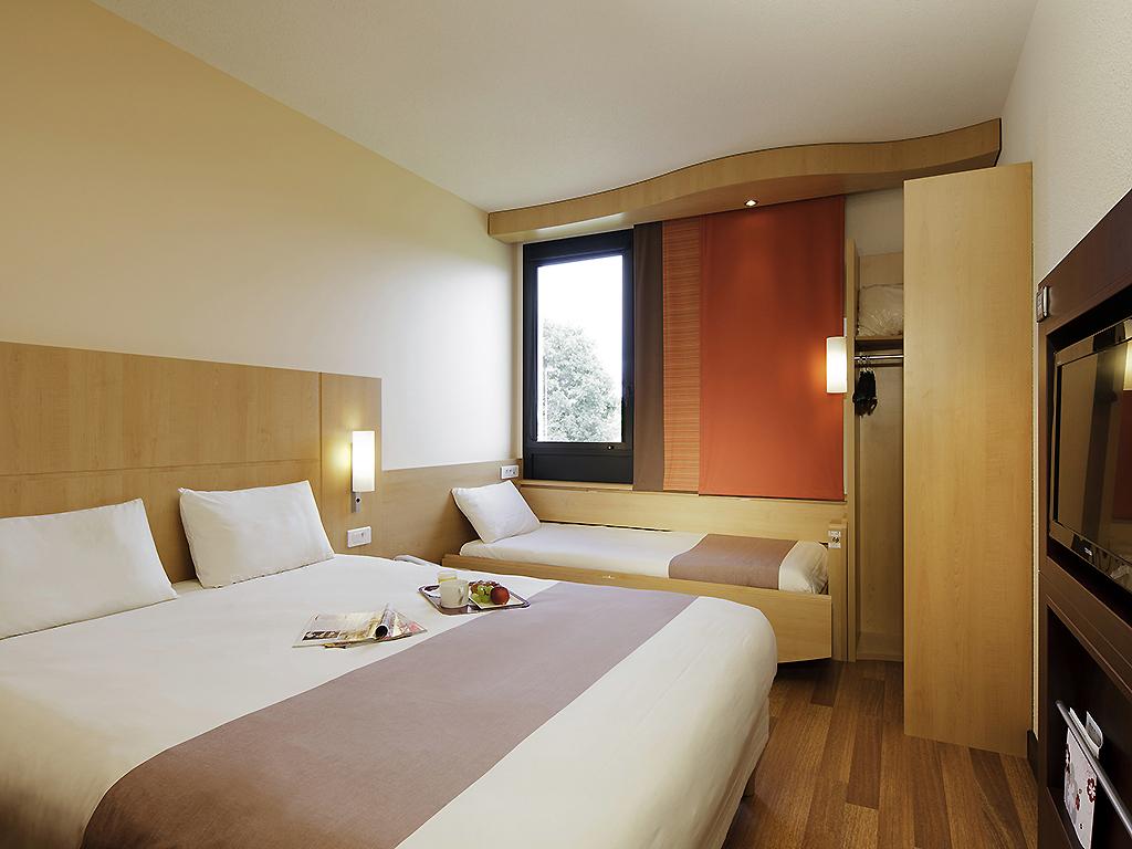 hotel pas cher ploumagoar ibis guingamp coeur de bretagne. Black Bedroom Furniture Sets. Home Design Ideas