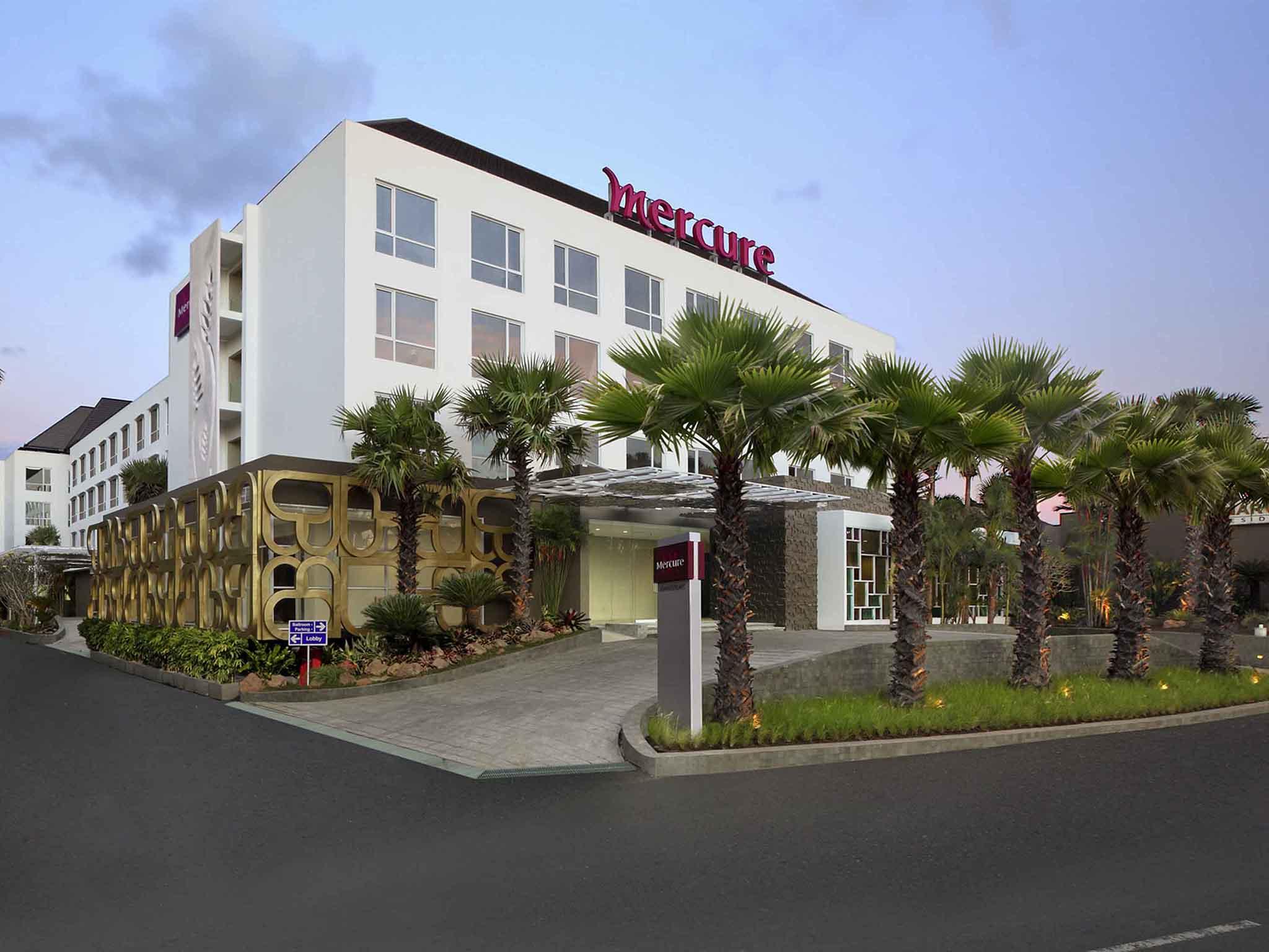 Отель — Mercure Бали Harvestland Кута