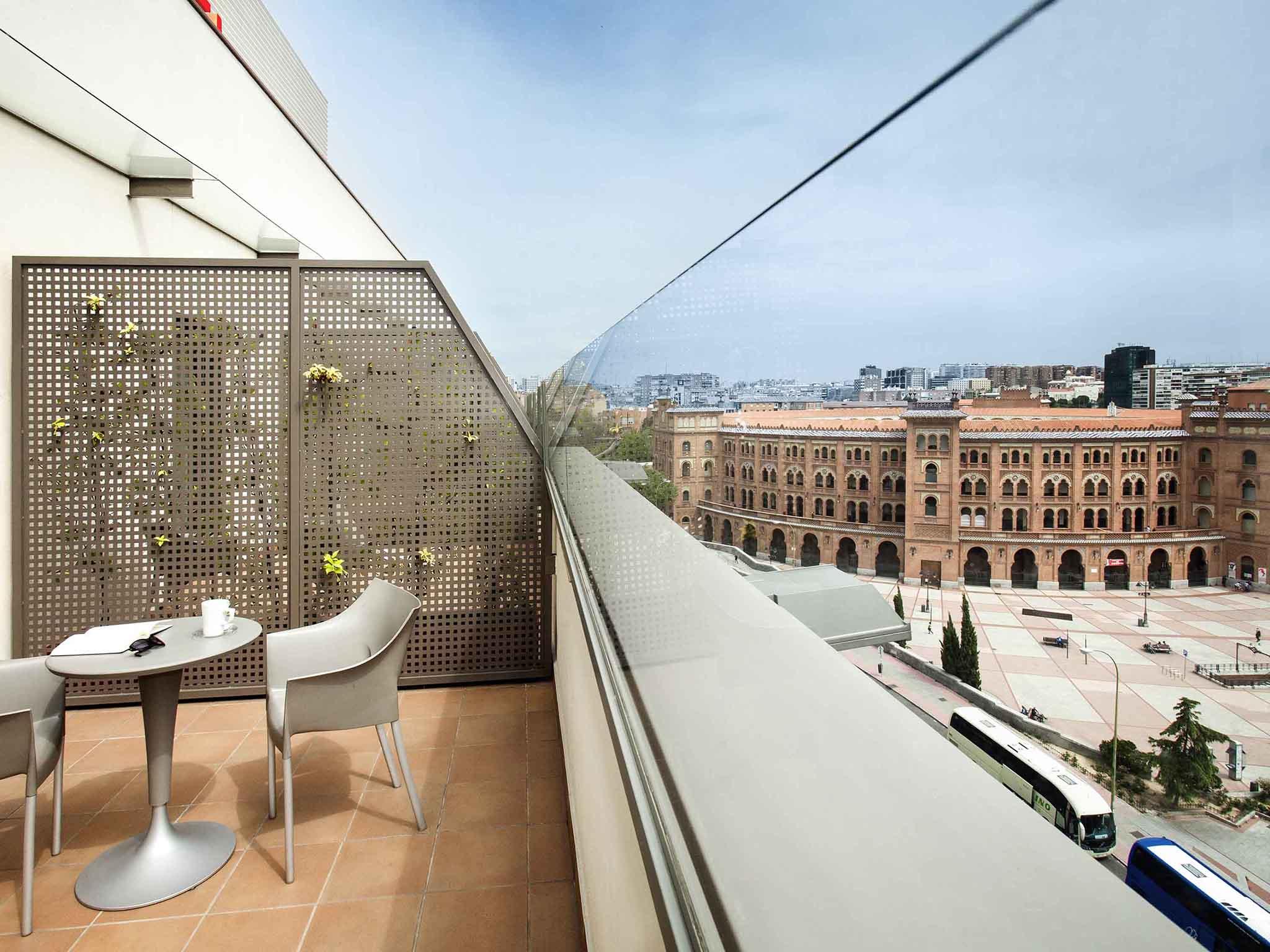 Отель — ibis Мадрид Центр Лас Вентас