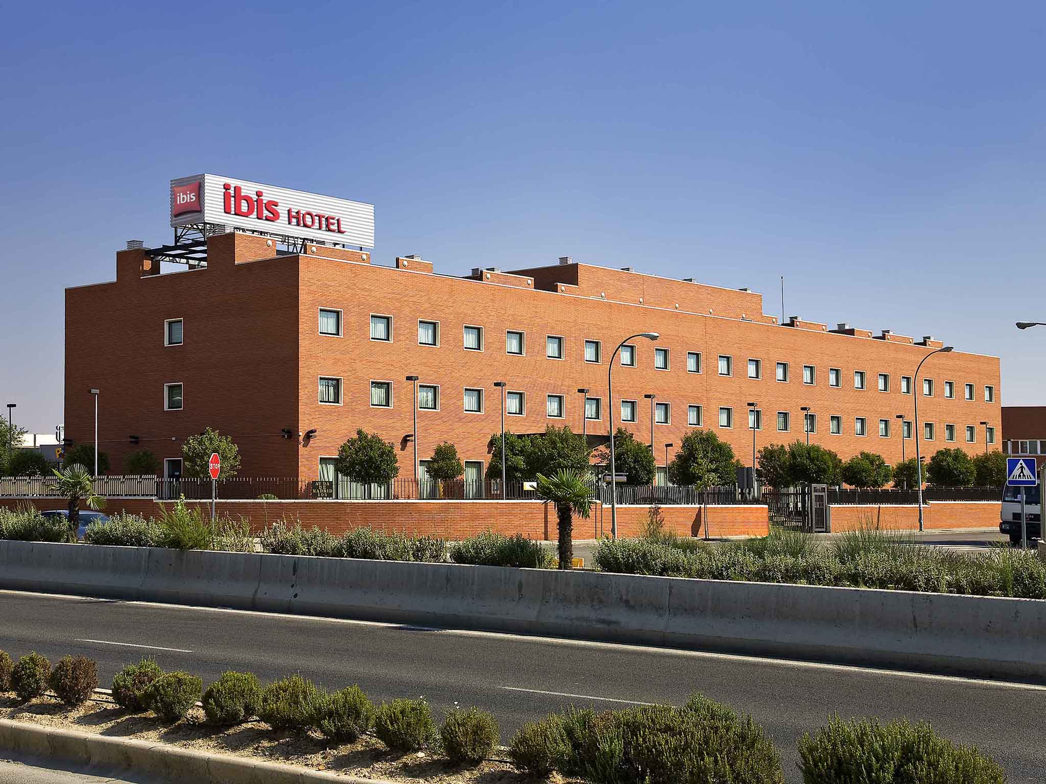 Отель — ibis Madrid Arganda
