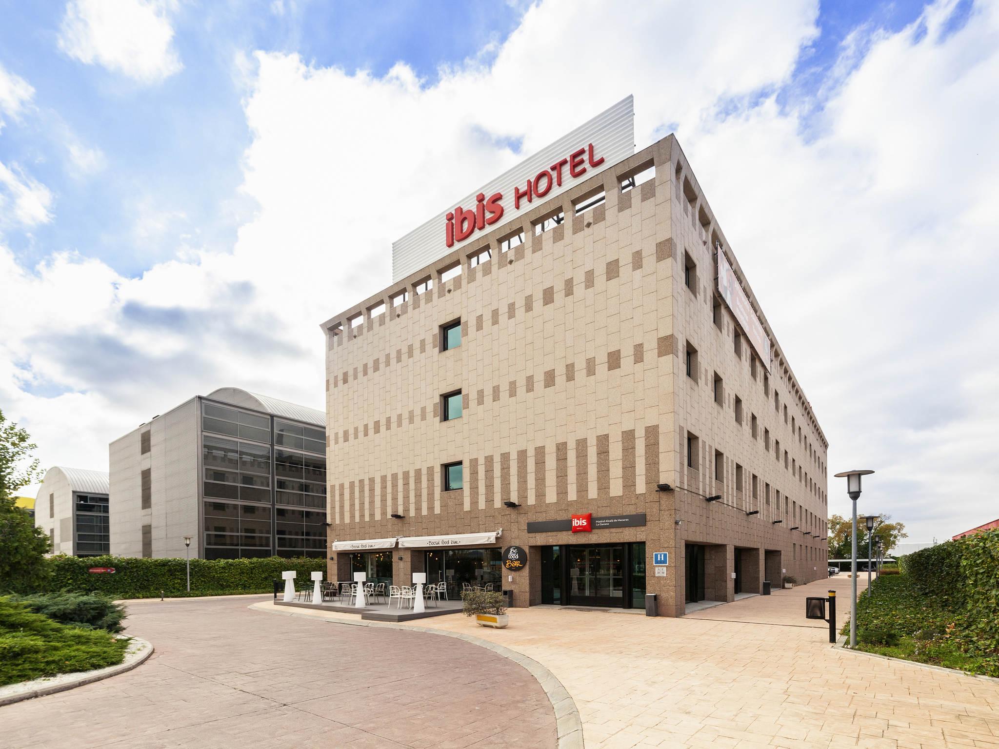 Отель — ibis Madrid Alcala de Henares la Garena
