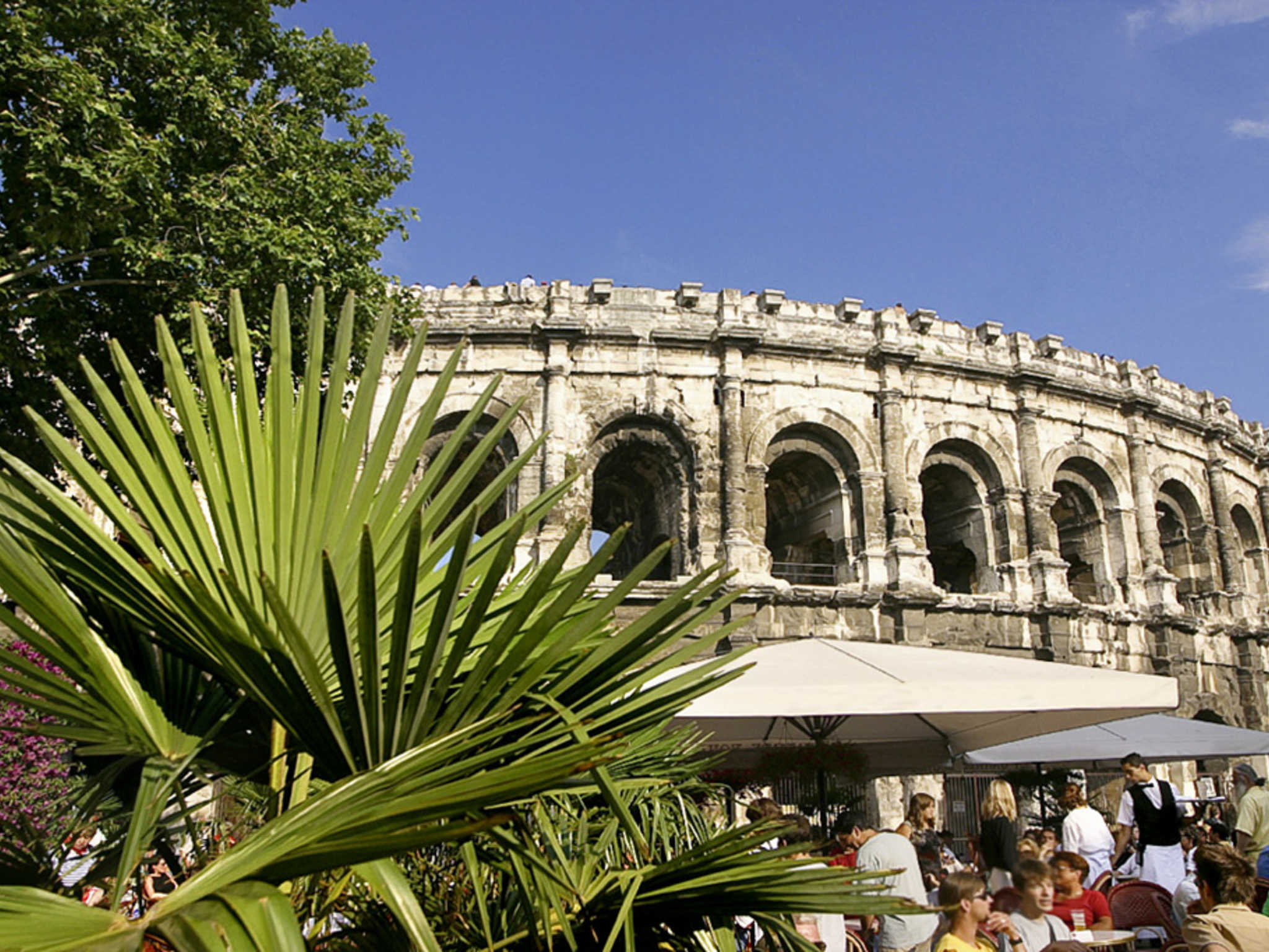 Hotel in nimes ibis budget nimes centre gare for Hotels nimes