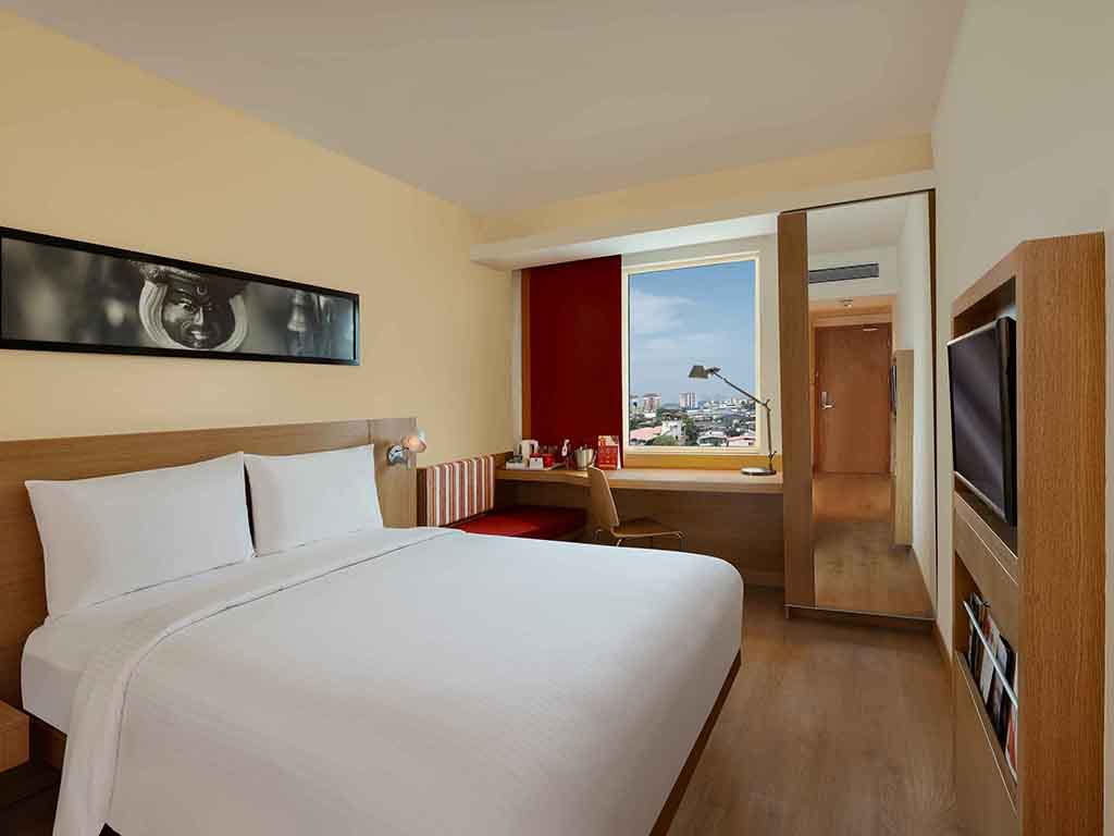 Ibis New Delhi Aerocity Hotels Near Airport Ibiscom - 8 awesome extras in luxury hotel rooms