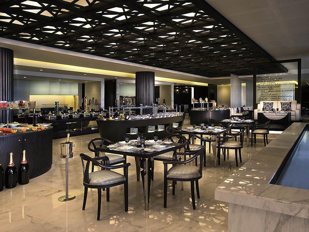 Corniche restaurant abu dhabi restaurants by accorhotels for Ristorante cipriani abu dhabi