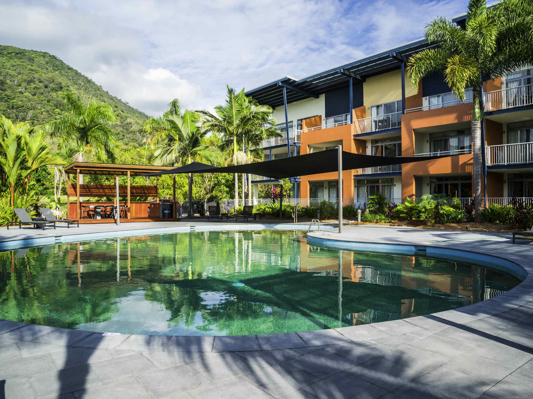 Hotel – The Sebel Palm Cove Coral Coast
