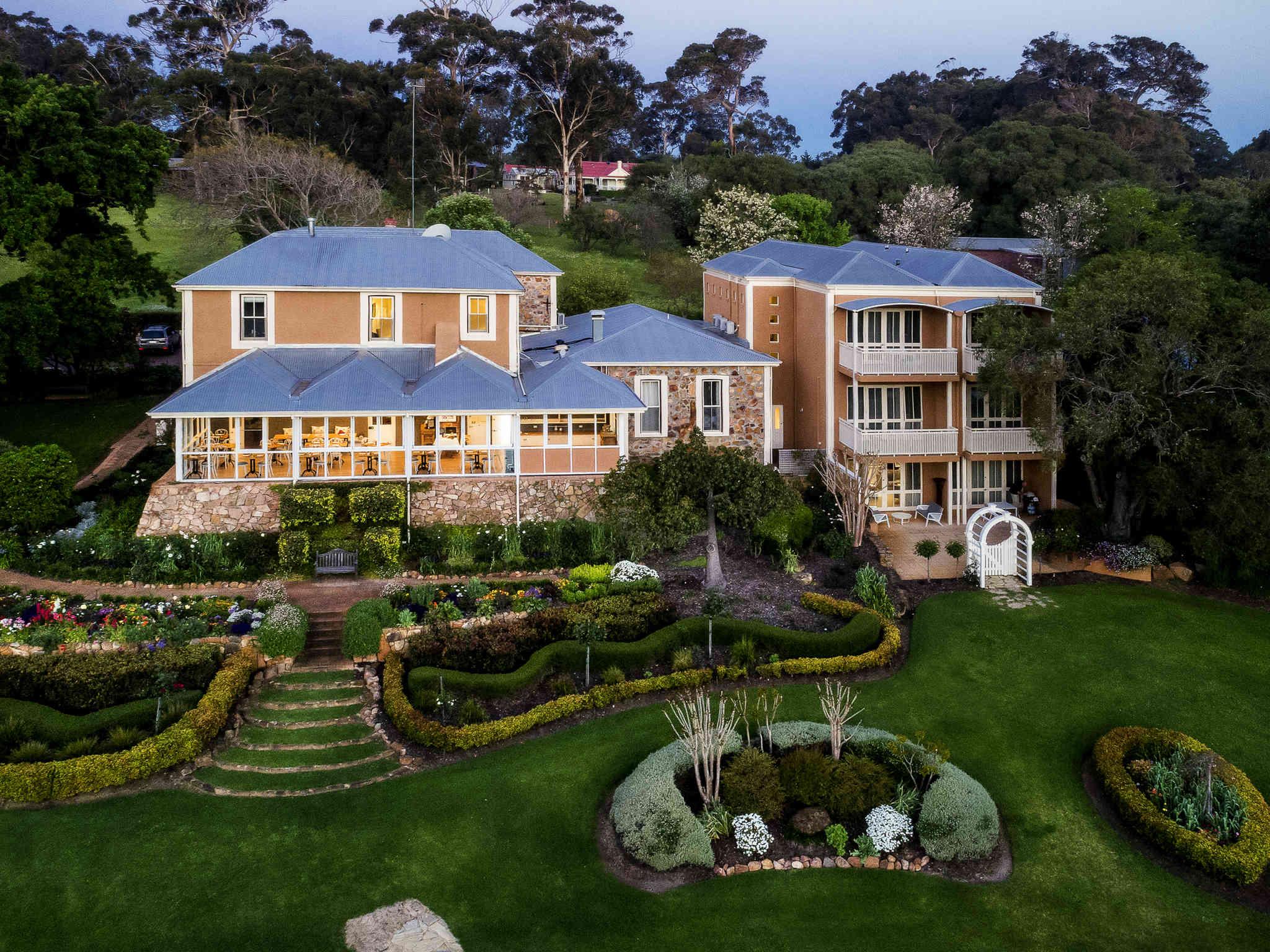 Отель — Grand Mercure Basildene Manor Accor Vacation Club Apartments