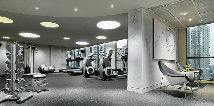 Golf fitness amenities pullman jakarta central park - Pullman central park swimming pool ...