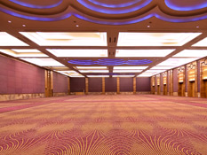 The ballroom fits 5,000 guestsfor conventions and exhibitions