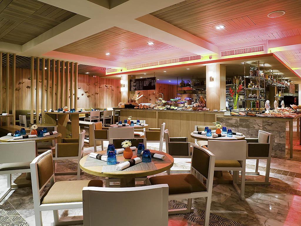 The Beach Club Restaurant Pattaya Restaurants By Accor